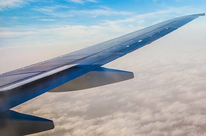 Tragfläche eines Flugzeugs.